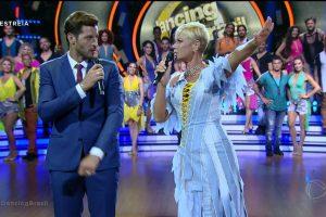 A apresentadora Xuxa Meneghel e o repórter Leandro Lima no Dancing Brasil. (Foto: Reprodução/Record)