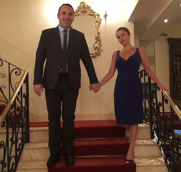 Reinaldo Gottino comemora data especial com a mulher