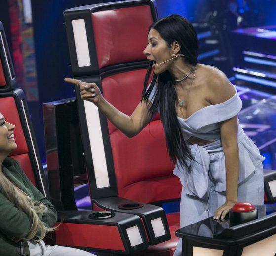 Simone e Simaria durante apresentação no The Voice Kids (Foto: Divulgação)