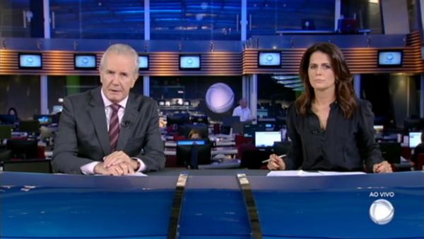 Adriana Araújo comemora 12 anos a frente do Jornal da Record
