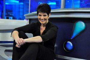Mariana Godoy da RedeTV! grava talk show com atriz global