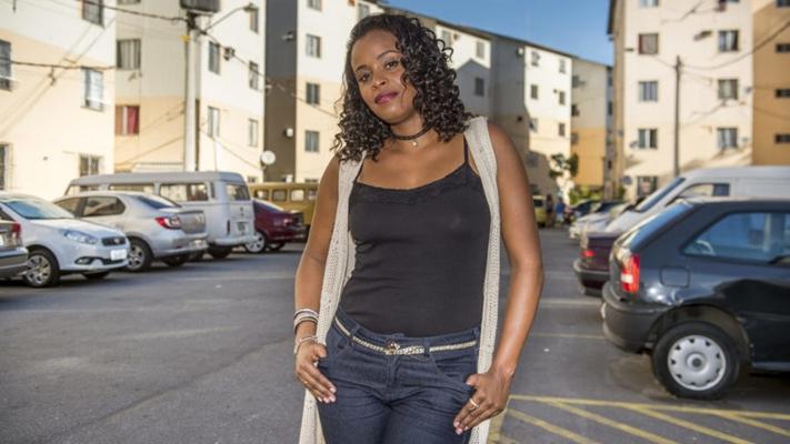Roberta Rodrigues dá vida à Poderosa em Cidade dos Homens. (Foto: Divulgação)