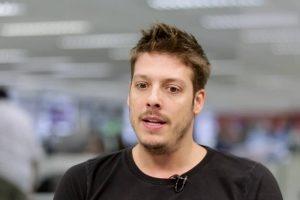 Fábio Porchat vai estrelar o filme Mude de Vida, Me Pergunte Como. (Foto: Reprodução)