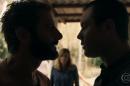 Vinícius (Flávio Tolezani) e Gael (Sergio Guizé) em cena de O Outro Lado do Paraíso (Foto: Reprodução/Globo)