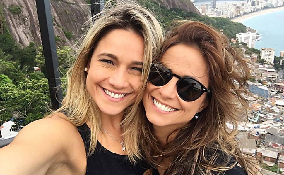 Fernanda Gentil com a esposa, a jornalista Priscila Montandon (Foto: Reprodução)