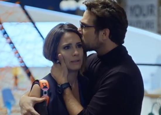 Zoe (Juliana Knust) e Benjamin (Igor Rickli) em cena de Apocalipse (Foto: Reprodução/Record)