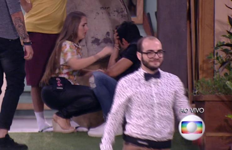 Polemica. Foto do site da O TV Foco que mostra Mahmoud se sente traído e faz acusações contra Lucas e Jéssica no BBB18