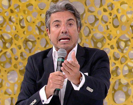João Kléber da RedeTV! fala sobre pessoas falsas que vivem ao redor dele