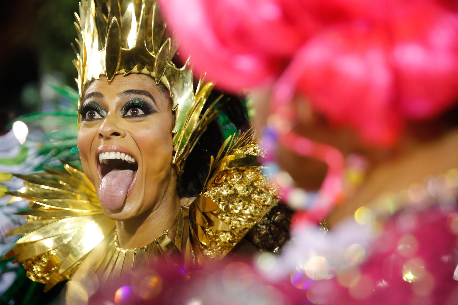 A atriz Juliana Paes é madrinha de bateria da Acadêmicos do Grande Rio (Foto: Marcos Serra Lima/G1)