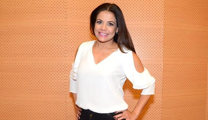 Nívea Stelmann investe na carreira de apresentadora. (Foto: Divulgação)