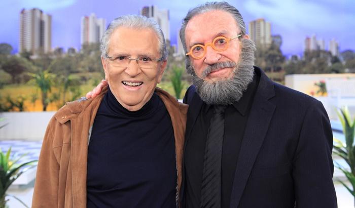 Moacyr Franco e Carlos Alberto de Nóbrega em A Praça é Nossa. (Foto: Leonardo Nones/SBT)