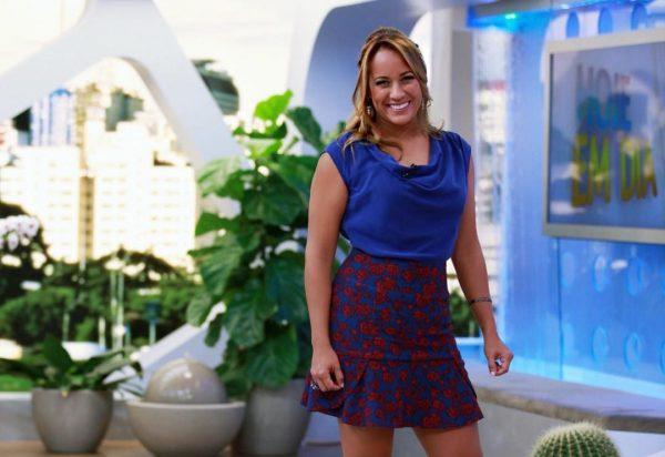 Record toma decisão e define futuro de Renata Alves, apresentadora ... 39dbe62e42