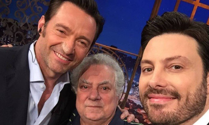 Danilo Gentili exibiu reprise de entrevista com Hugh Jackman no SBT (Foto: Reprodução)