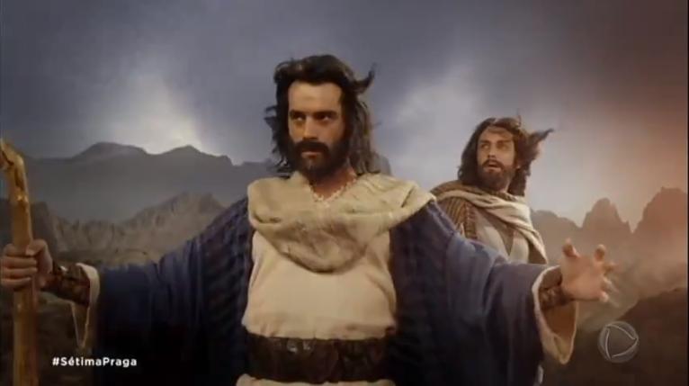 Moisés (Guilherme Winter) em cena de Os Dez Mandamentos (Foto: Reprodução/Record)