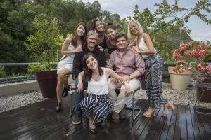 Cao Hamburger com o diretor e as protagonistas de Malhação: Viva a Diferença (Foto: Globo/Mauricio Fidalgo)