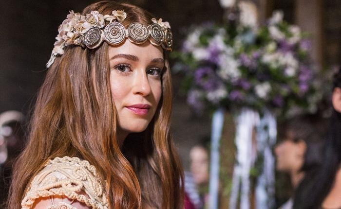Amália (Marina Ruy Barbosa) em Deus Salve o Rei (Foto: Globo/Marília Cabral)