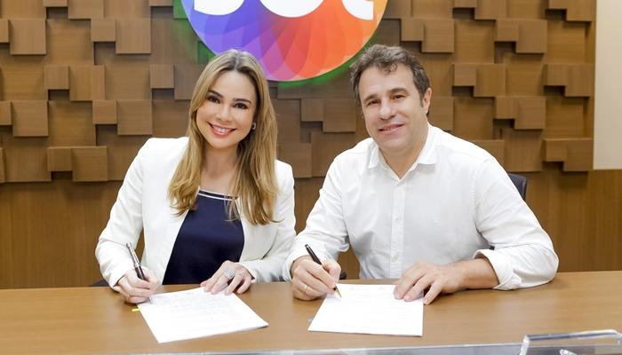 Rachel Sheherazade e Fernando Pelegio, diretor artístico do SBT (Foto: Gabriel Cardoso/SBT)
