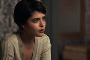 Novela Paraiso. Foto do site da O TV Foco que mostra O Outro Lado do Paraíso: Adriana chora após notícia de que Beth salvou sua vida