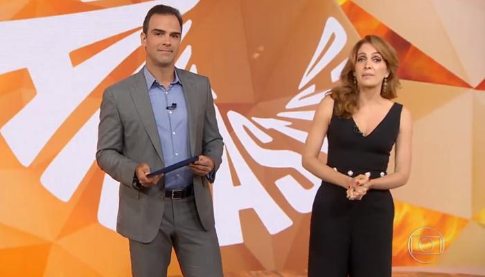 Os apresentadores Tadeu Schmidt e Poliana Abritta no Fantástico (Foto: Reprodução/Globo)