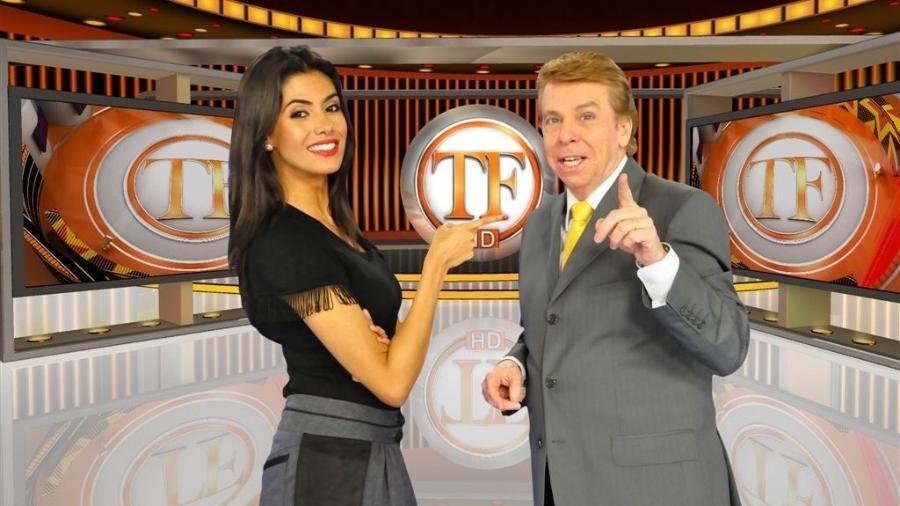 Flávia Noronha e Nelson Rubens no comando do TV Fama (Foto: Divulgação/RedeTV!)