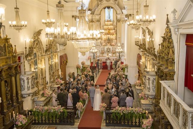Casamento de Celina (Barbara França) e Artur (Guilherme Leicam) (Foto: Globo/Marília Cabral)