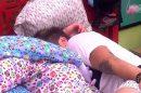 """Paula e Breno trocam beijos em um dos quartos do """"BBB"""" (Foto: Reprodução)"""