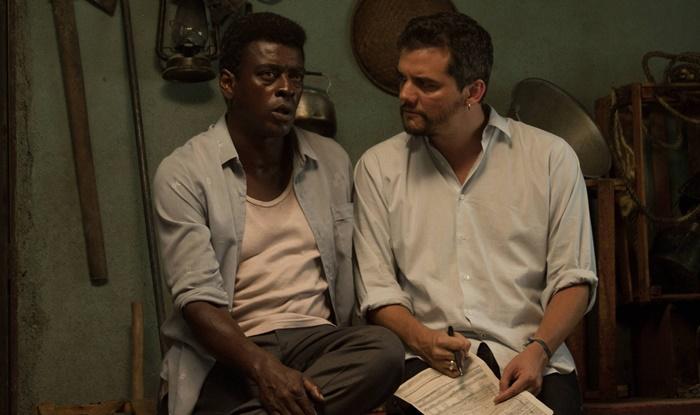Seu Jorge e Wagner Moura nos bastidores do filme Marighella. (Foto: Ariela Bueno/Divulgação)