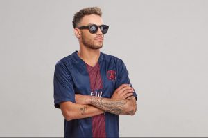 Foto do site da  que mostra Cover de Neymar choca com aparência, faz comercial no lugar do craque e ganha uma fortuna