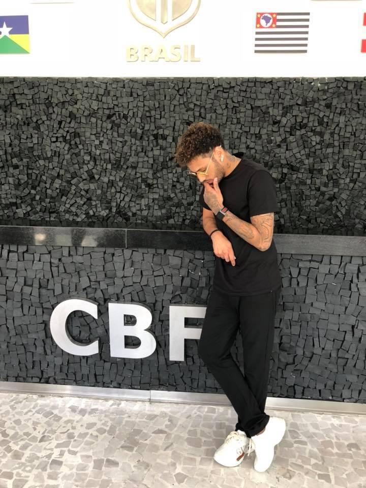 Gabriel Lucas na sede da CBF – Foto: Reprodução/ Facebook