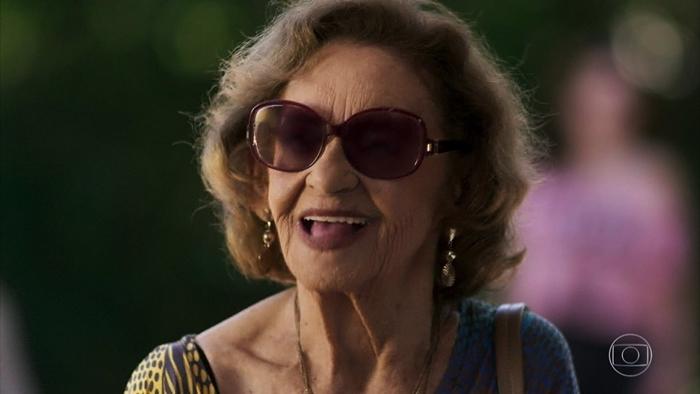 Caetana (Laura Cardoso) em cena de O Outro Lado do Paraíso (Foto: Reprodução/Globo)