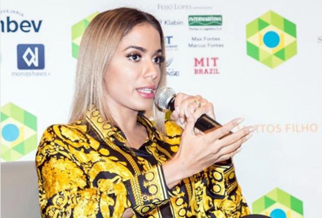 Celebridades Programa. Foto do site da O TV Foco que mostra GloboNews convida Anitta para o programa Conta Corrente e recebe críticas