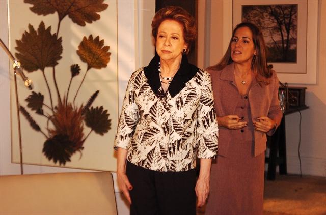 Fernanda Montenegro (Bia Falcão) e Gloria Pires (Júlia) em cena de Belíssima (Foto: Globo/Renato Rocha Miranda)