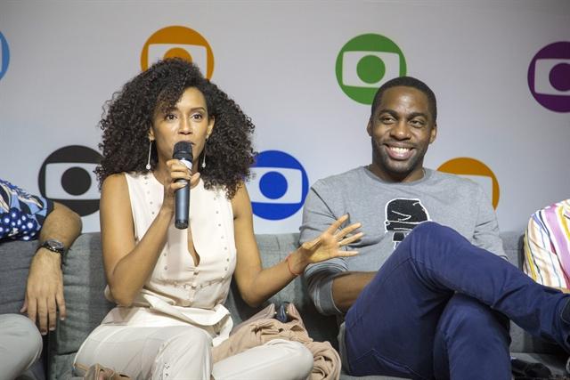 Taís Araújo e Lázaro Ramos no lançamento da nova temporada de Mister Brau (Foto: Globo/Marília Cabral)