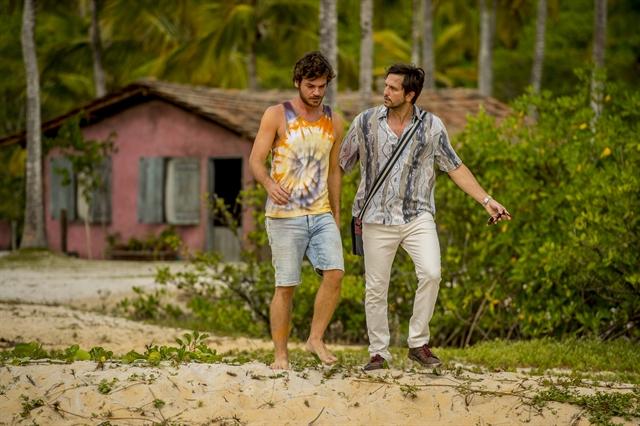 Beto (Emílio Dantas) e Remy (Vladimir Brichta) em Segundo Sol (Foto: Globo/João Cotta)