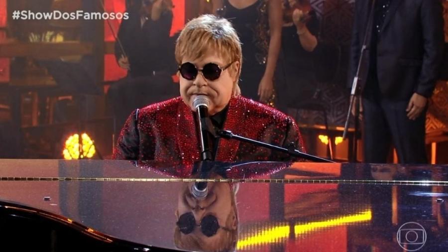 Tiago Abravanel interpretou Elton John (Foto: TV Globo)