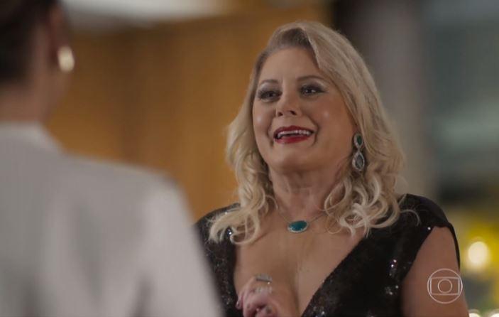 A atriz Vera Fischer em participação em Malhação: Vidas Brasileiras (Foto: Reprodução/TV Globo)