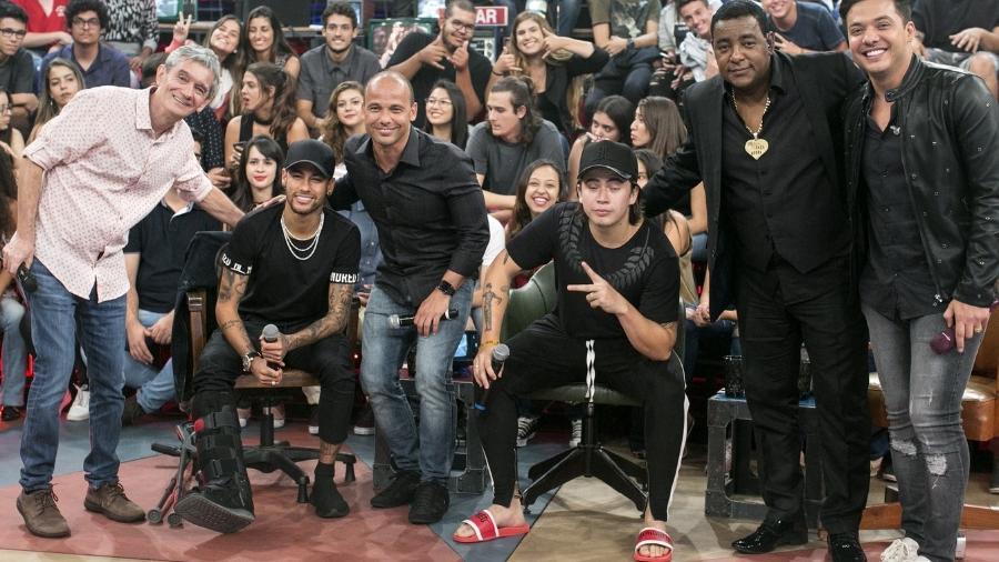Neymar e Whindersson Nunes estiveram no Altas Horas (Foto: TV Globo)