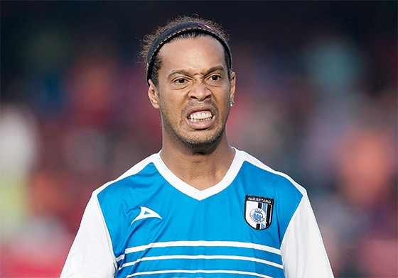 Ronaldinho Gaúcho deu cano em jantar. (Foto  Omar Martinez Mexsport) a43250816c0c1
