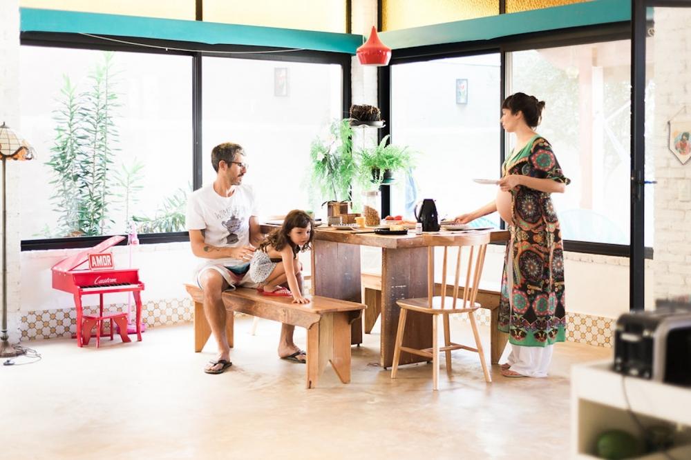 o empresário Thiago Antunes, Flávia Rubim e a filha (Foto: Reprodução)