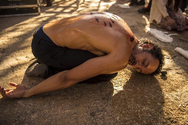 Samir (Irandhir Santos) em cena de Onde Nascem os Fortes (Foto: Globo/Estevam Avellar)