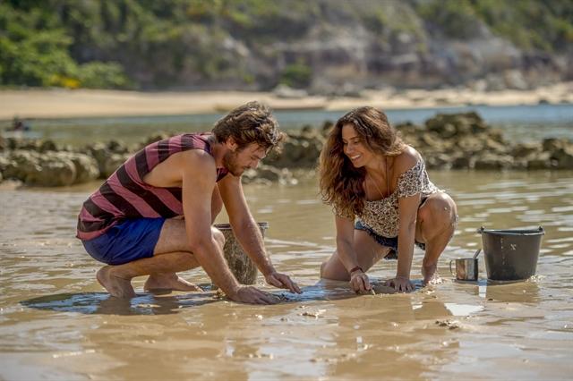Beto (Emilio Dantas) e Luzia ( Giovanna Antonelli ) em cena do primeiro capítulo de Segundo Sol (Foto: Globo/João Cotta)
