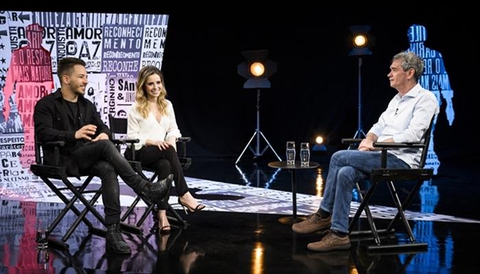 Serginho Groisman entrevista Sandy e Júnior (Foto: Globo/Ramón Vasconcelos)