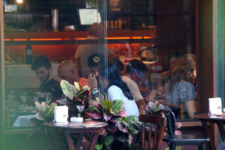 Gleici e Wagner almoçam juntos em clima de romance no Rio de Janeiro (AGNEWS)