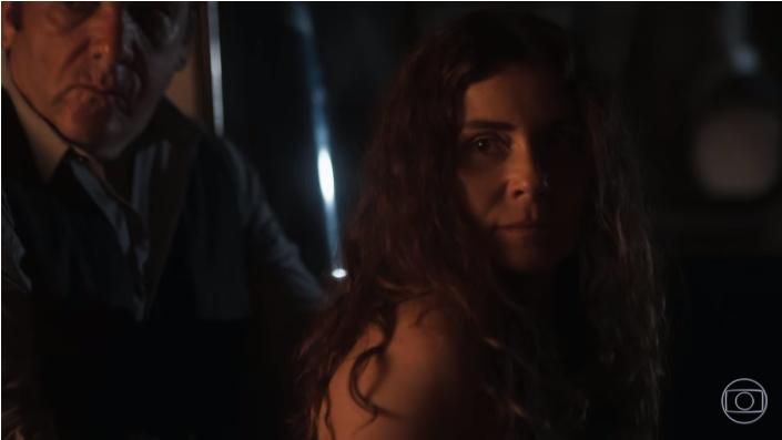 Luzia (Giovanna Antonelli) é presa em cena de Segundo Sol (Foto: Reprodução/Globo)