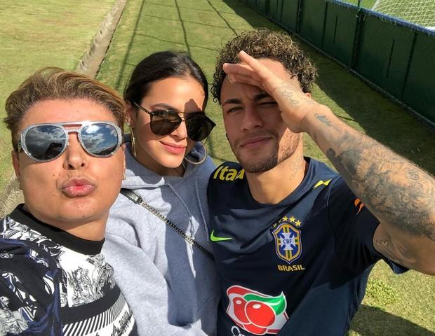 Neymar, Bruna Marquezine e David Brazil (Foto: Reprodução/Instagram)