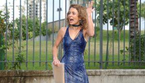 Laura (Claudia Abreu) em cena de Celebridade (Foto: Globo/João Miguel Júnior)