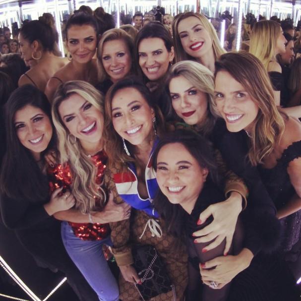 Luciana Cardoso com amigas famosos (Foto: Reprodução/Instagram)