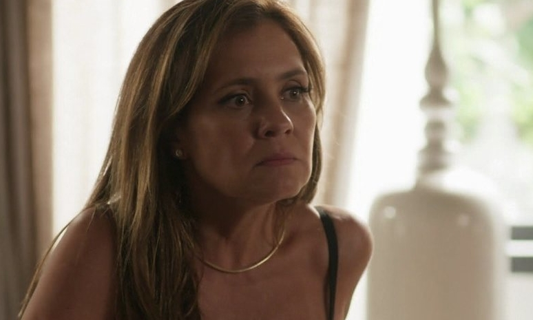 Laureta se desespera em Segundo Sol (Foto: Reprodução)