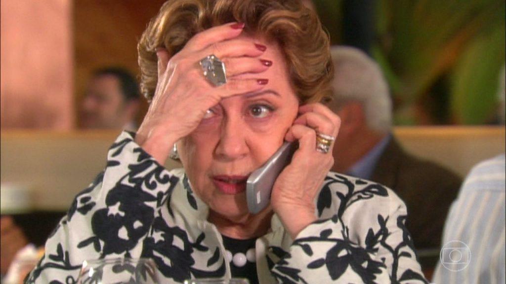 Bia Falcão (Fernanda Montenegro) em cena deBelíssima (Foto: Reprodução/Globo)