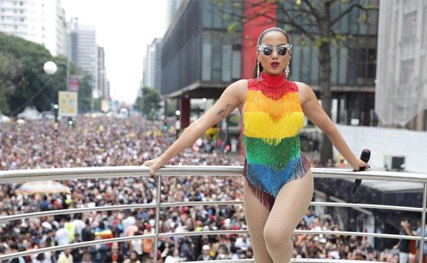 Anitta se apresenta na Parada LGBT (Foto: Felipe Panfili/Divulgação)